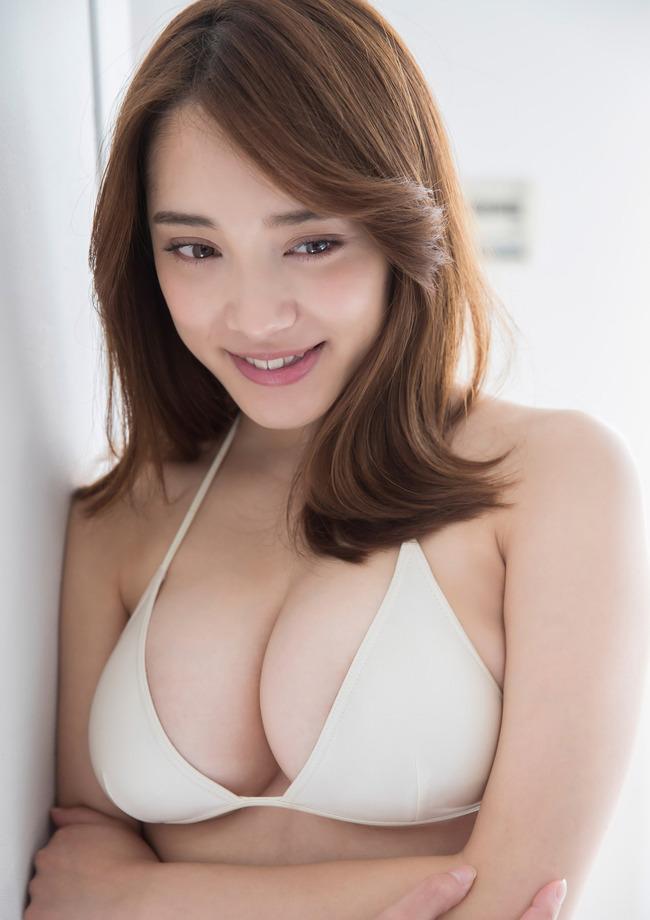 都丸紗也華 巨乳 グラビア画像 (15)