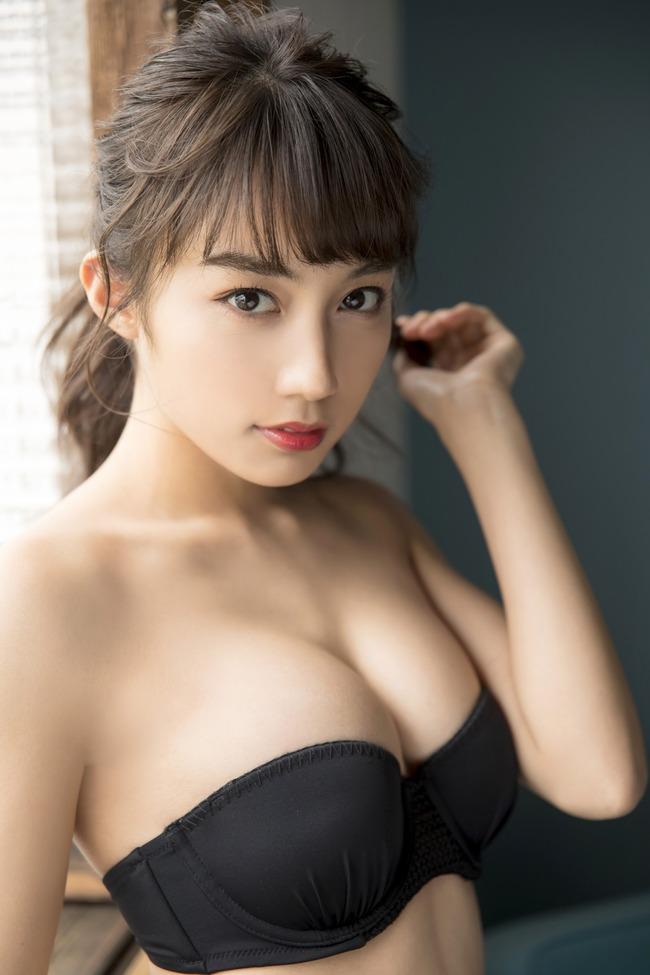黒木ひかり 美乳 黒髪 グラビア (5)