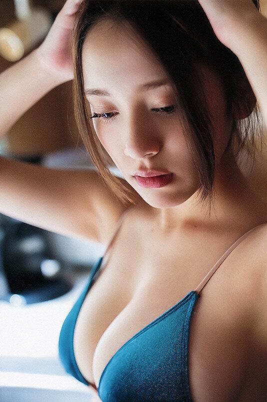 都丸紗也華 グラビア (33)