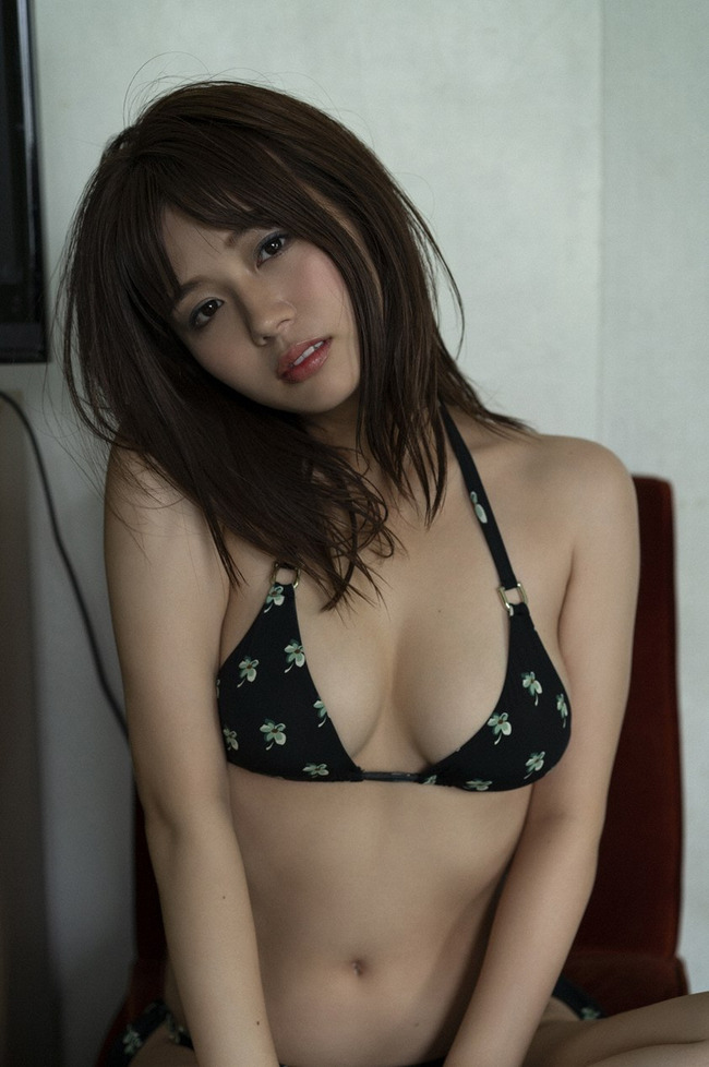 井口綾子 かわいい グラビア画像 (1)