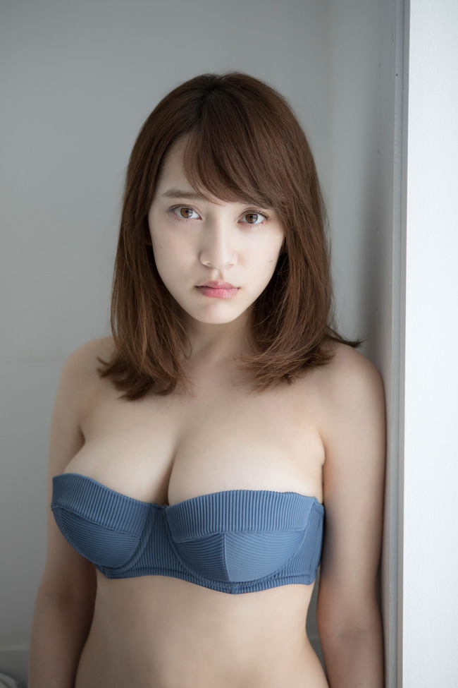 都丸紗也華 巨乳 グラビア画像 (36)