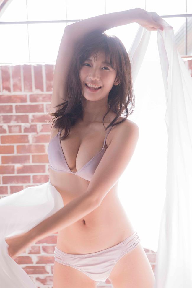 小倉優香 巨乳 グラビア画像 (28)