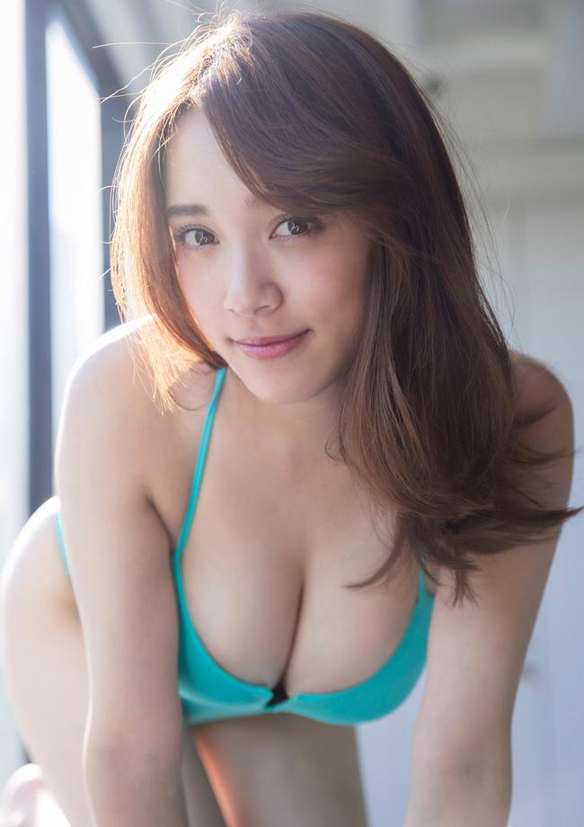 都丸紗也華 巨乳 グラビア画像 (19)