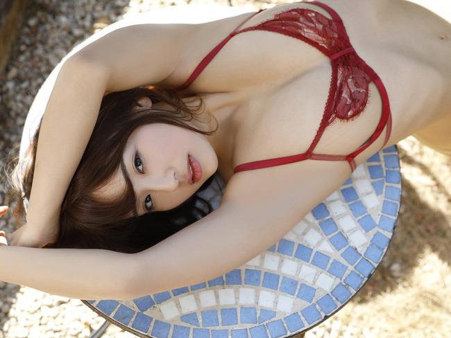 平嶋夏海 F乳 グラビア (18)