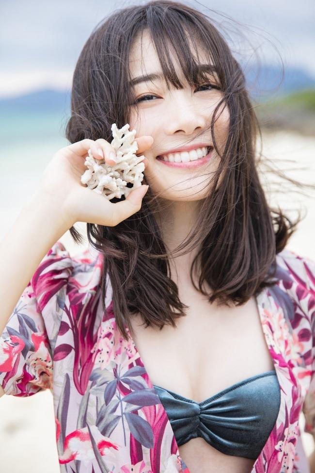 鶴見萌 グラビア (2)