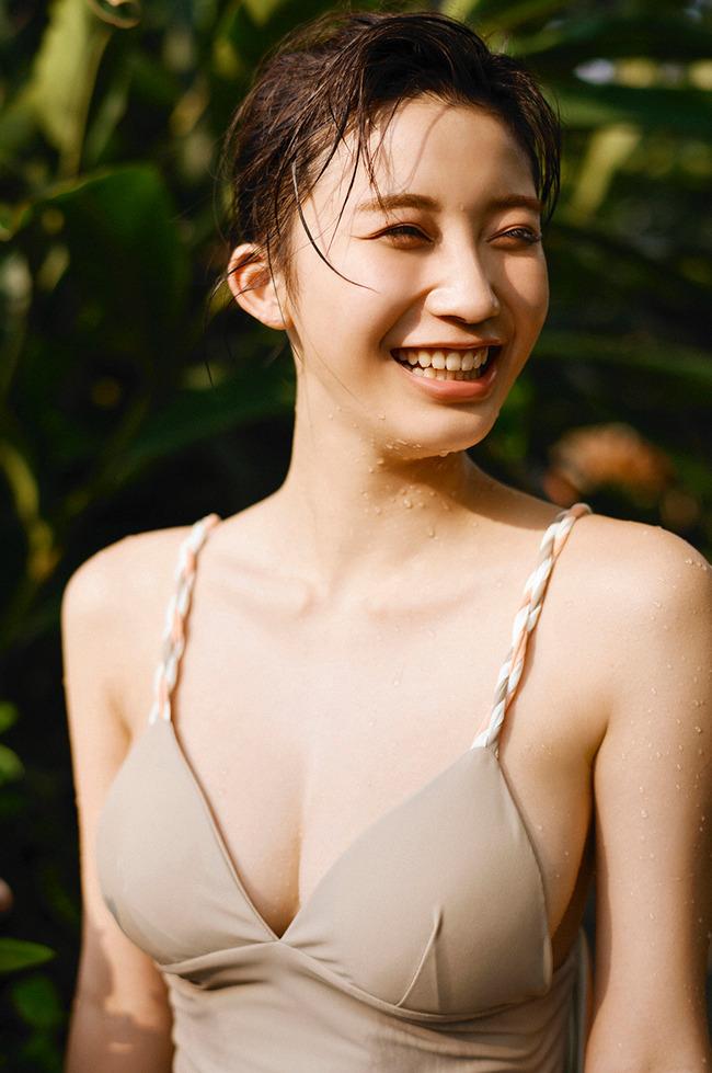 小倉優香 巨乳 エロい (21)