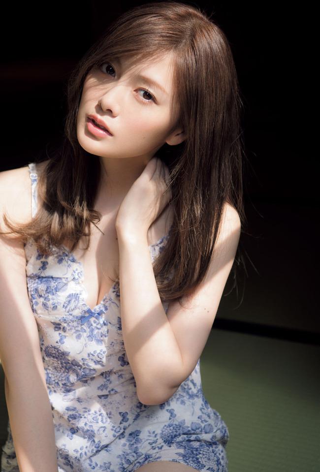 白石麻衣 かわいい グラビア画像 (28)