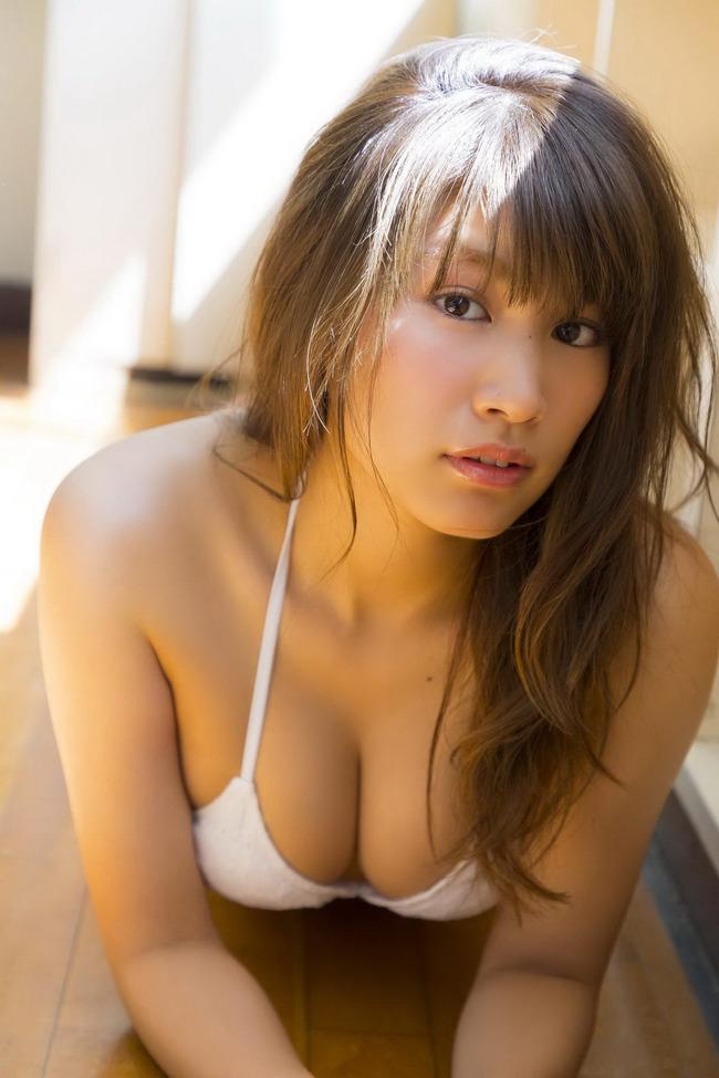 久松郁実 巨乳 グラビア画像 (40)