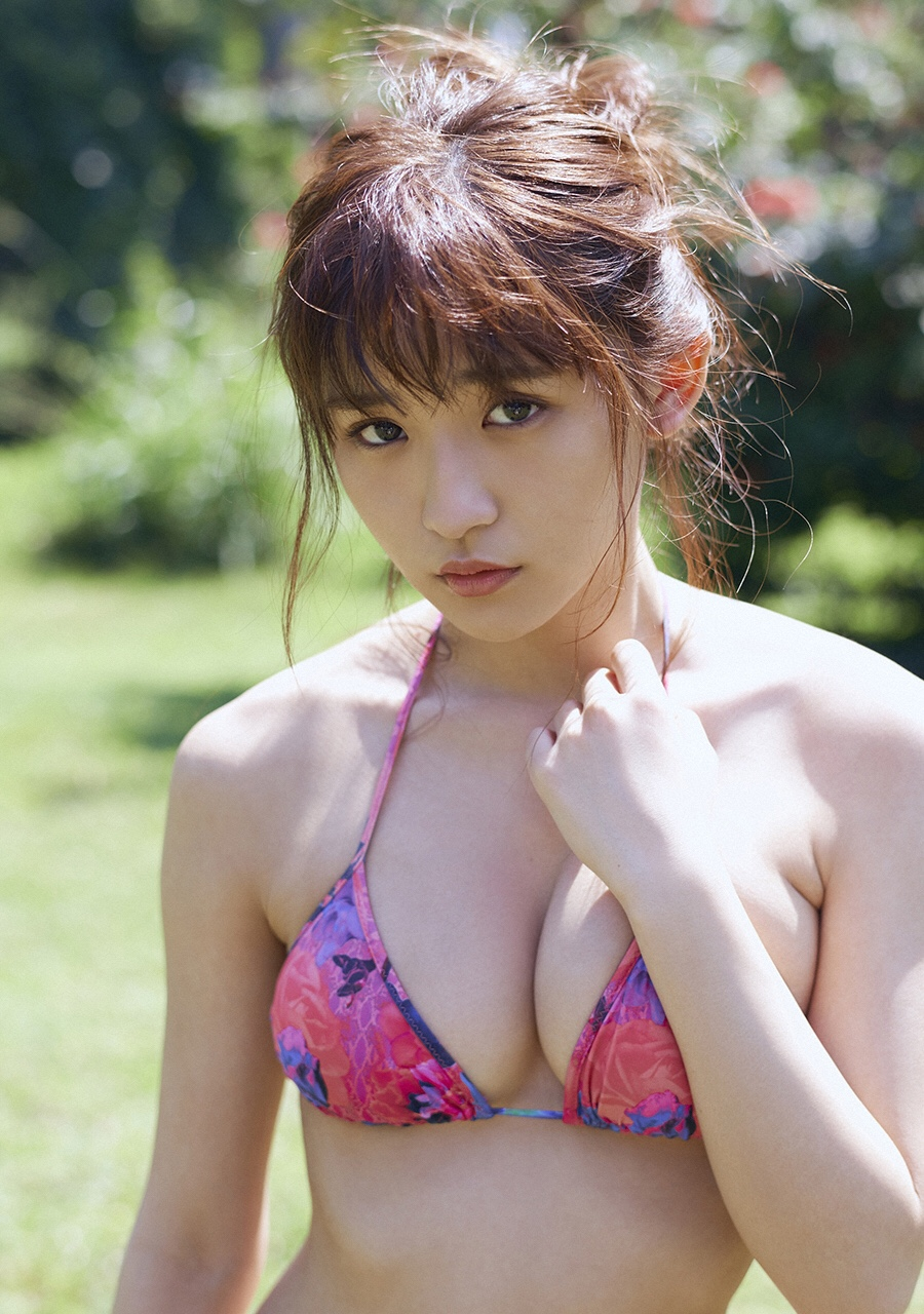Eカップの成長中のおっぱいをどんどん見せる浅川梨奈のエロさは興奮しかしない(*´▽`*)ww×60P 表紙