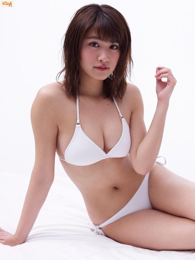 久松郁実 巨乳 グラビア画像 (13)