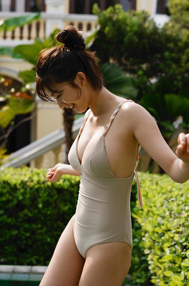 小倉優香 巨乳 グラビア画像 (15)