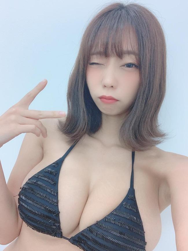青山ひかる Iカップ エロ画像 (1)
