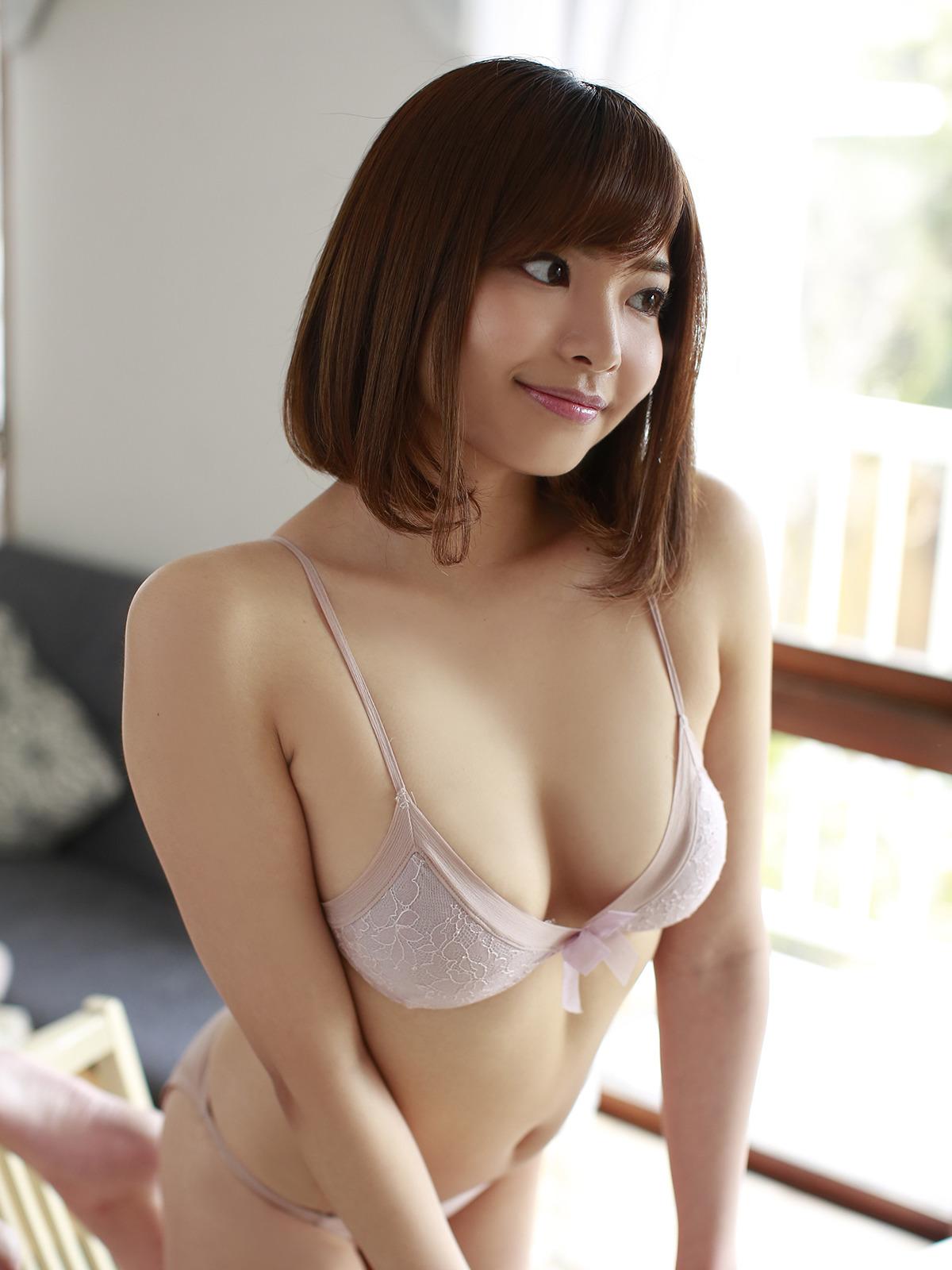 ムチムチFカップ西谷麻糸呂が何気にグラビアが優秀でもっとグラビアをするべきだと思う(*´▽`*)ww×39P 表紙