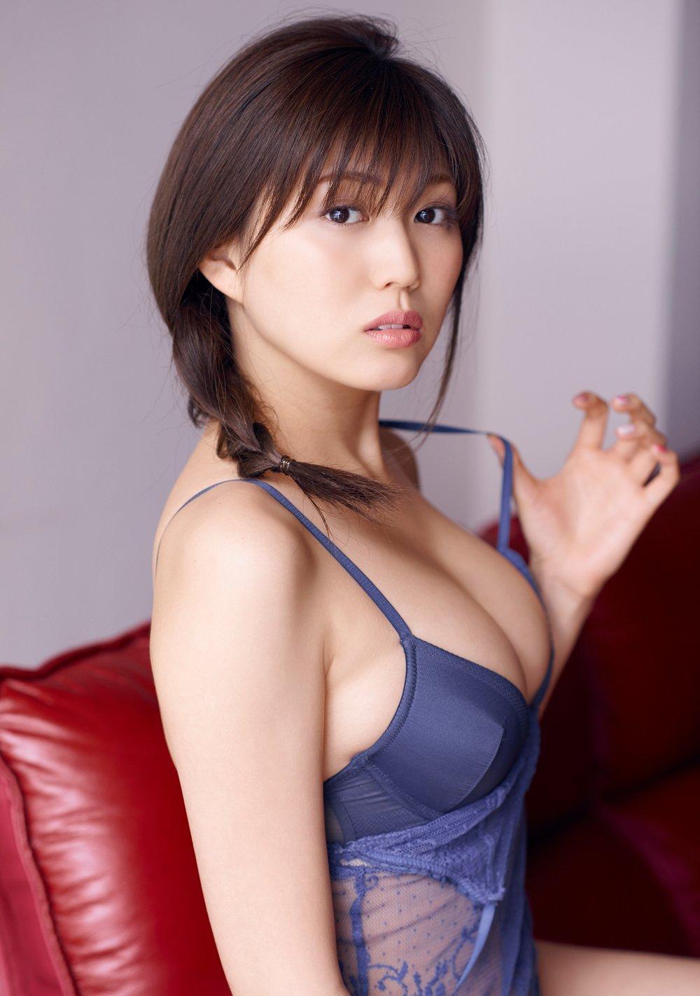 注目してた岩崎名美が最近グラビアをしてくれなくて悲しいのでまとめみた(*´▽`*)ww×34P 表紙