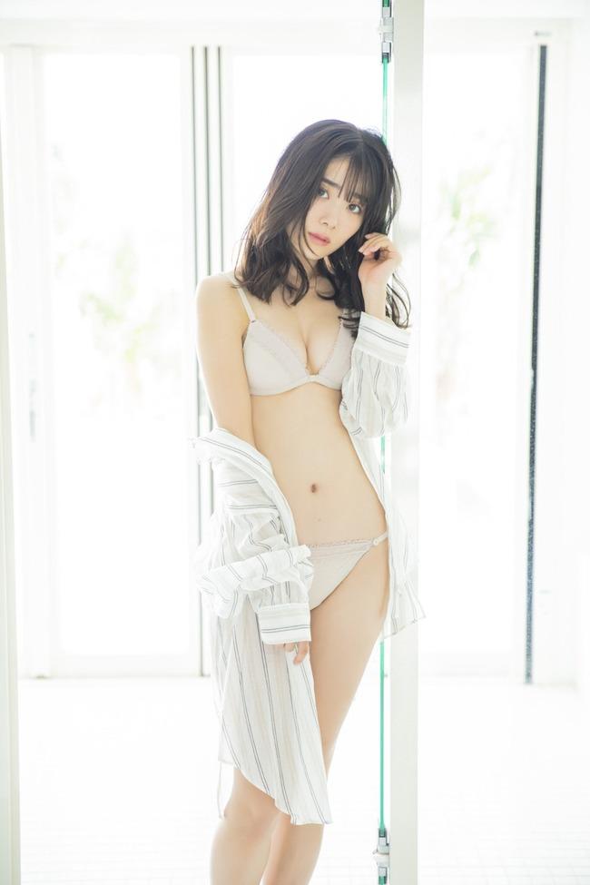 鶴見萌 グラビア (8)
