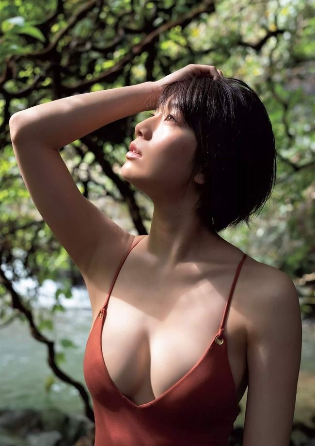 佐藤美希 巨乳 グラビア画像 (20)