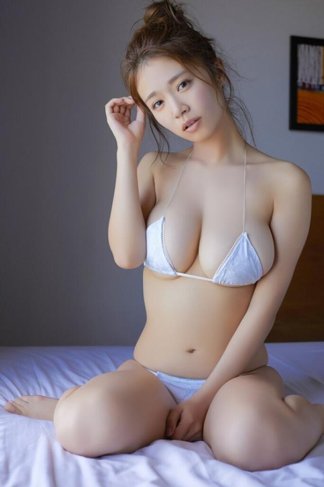 菜乃花 巨乳 グラビア (1)