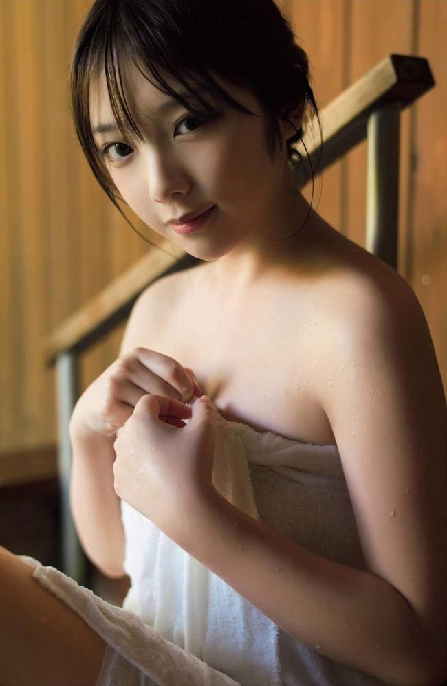 与田祐希 グラビア (10)