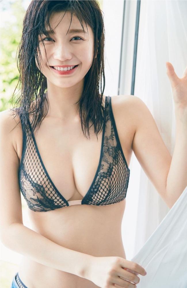 小倉優香 巨乳 エロい (29)