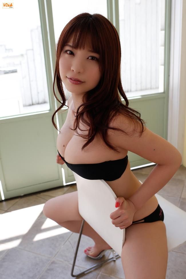 久松かおり Hカップ グラビア画像 (11)