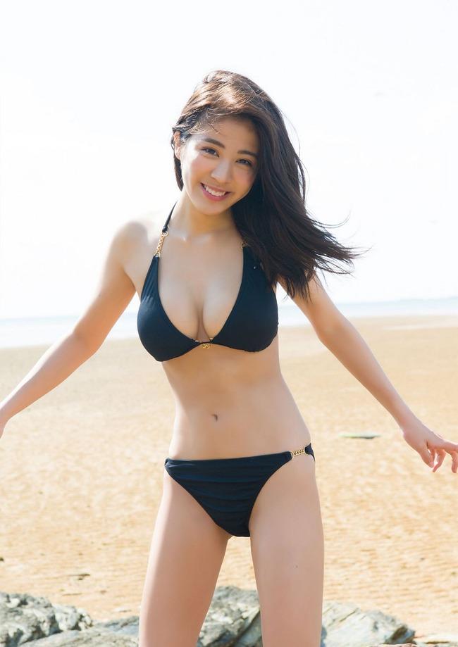 澤北るな 美人 巨乳 (12)