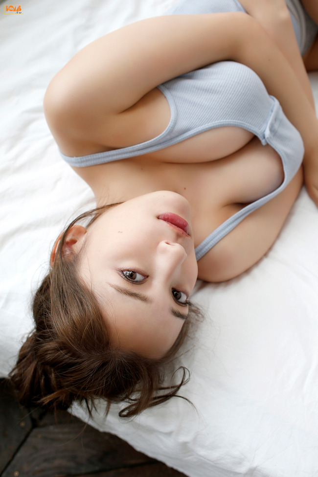 都丸紗也華 巨乳 グラビア画像 (31)