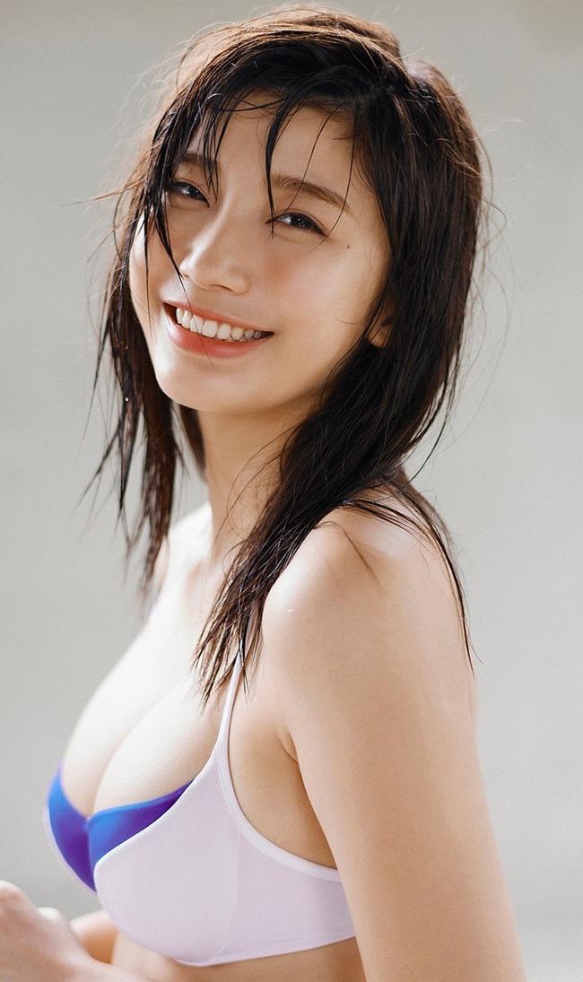 小倉優香 巨乳 エロい (6)