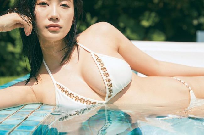 小倉優香 巨乳 エロい (16)