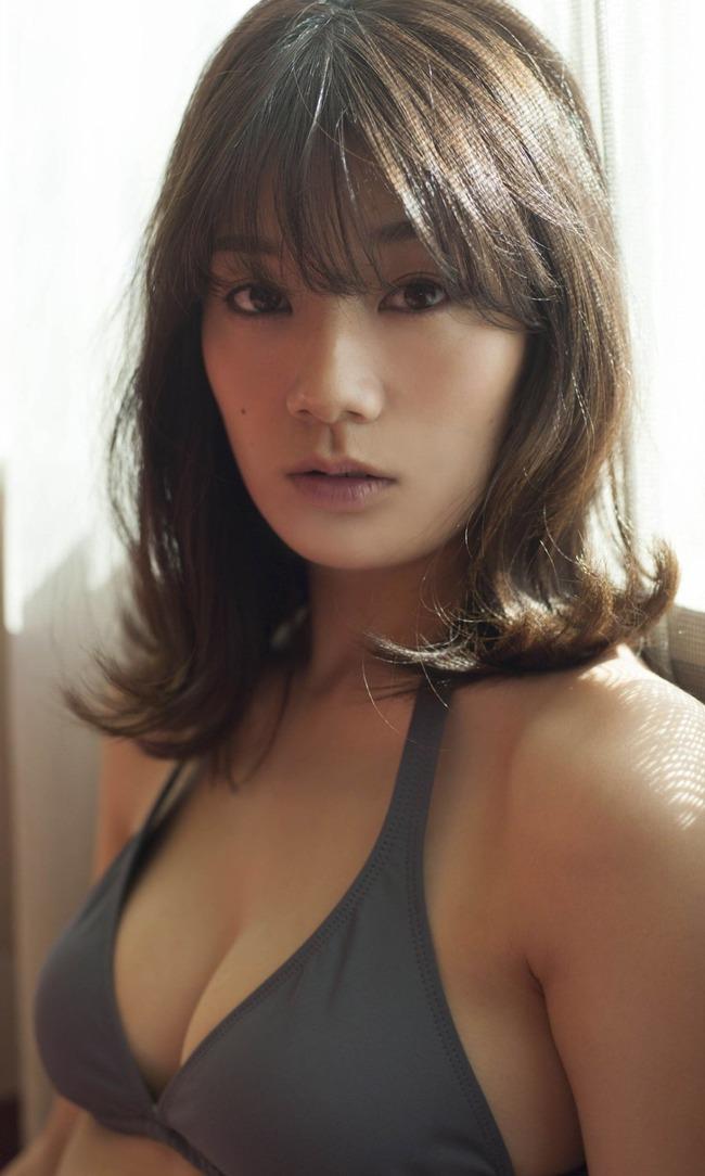 佐藤美希 巨乳 グラビア画像 (22)