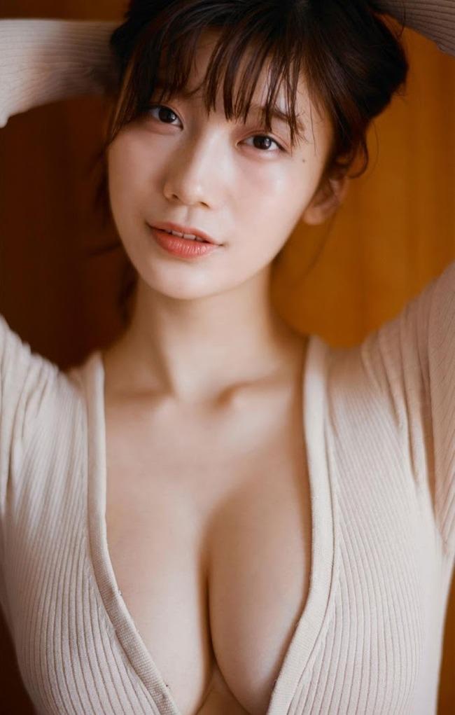 小倉優香 巨乳 グラビア画像 (22)