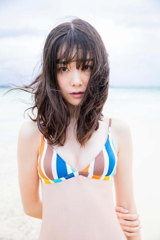 鶴見萌 グラビア (7)