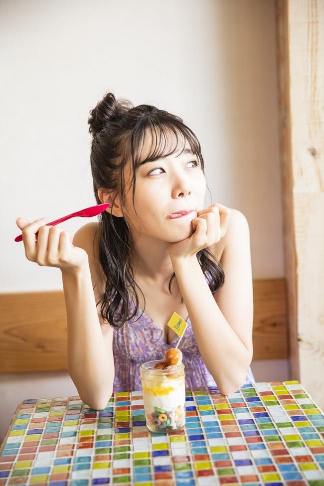 鶴見萌 グラビア (9)