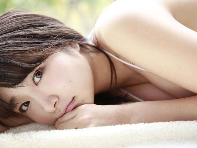益田恵梨菜のセクシー水着画像