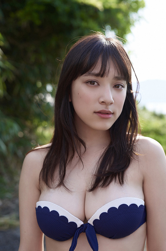 都丸紗也華 グラビア (18)