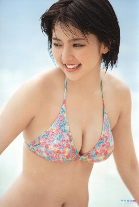 【グラビア49枚】女優 真野恵里菜ってマジで可愛くていいカラダしてるよな(・∀・)モエッwww