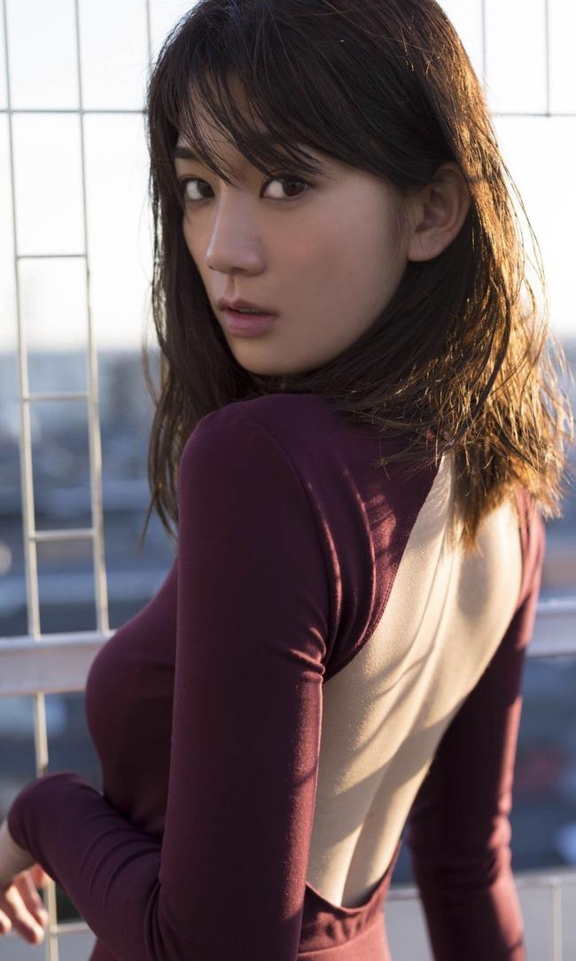 佐藤美希 巨乳 グラビア画像 (23)