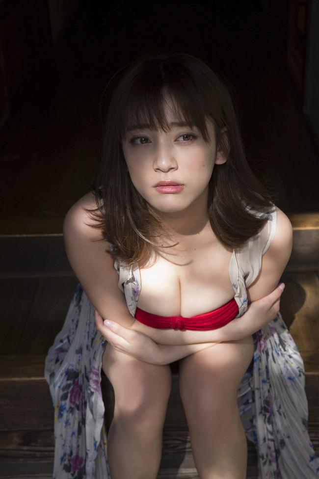 都丸紗也華 巨乳 グラビア画像 (16)