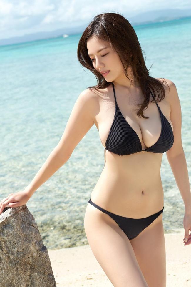 伊東紗冶子 巨乳 エロ画像 (1)