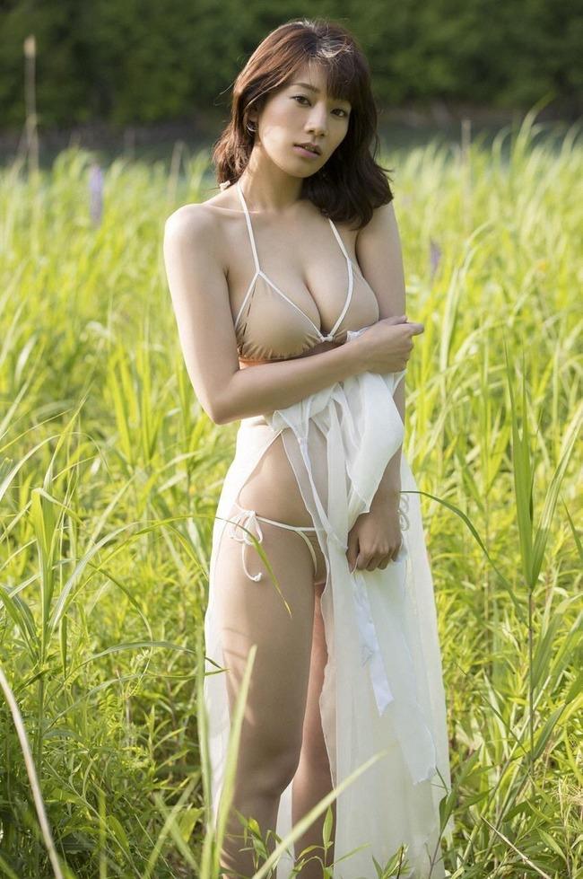 佐藤美希 巨乳 グラビア画像 (29)