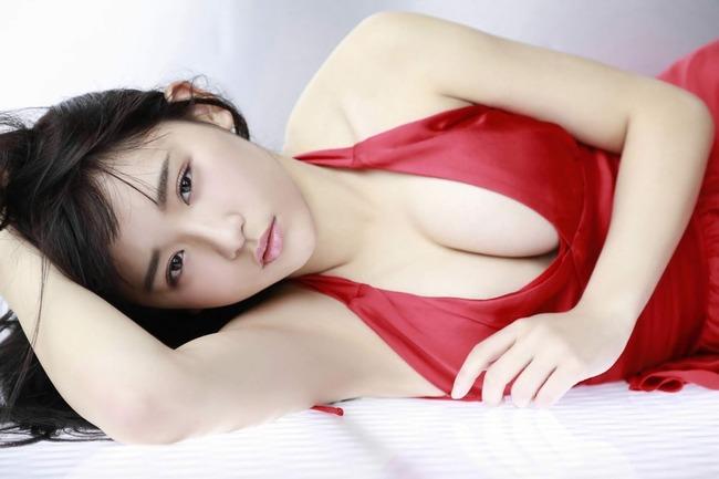 浅川梨奈 美乳 グラビア画像 (11)