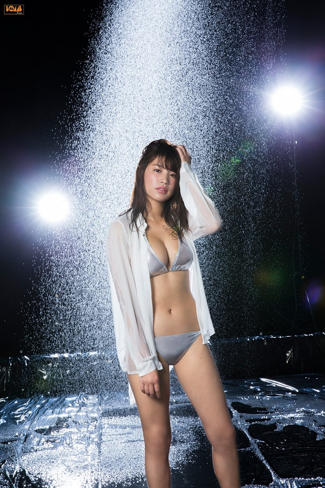 久松郁実 巨乳 グラビア画像 (17)