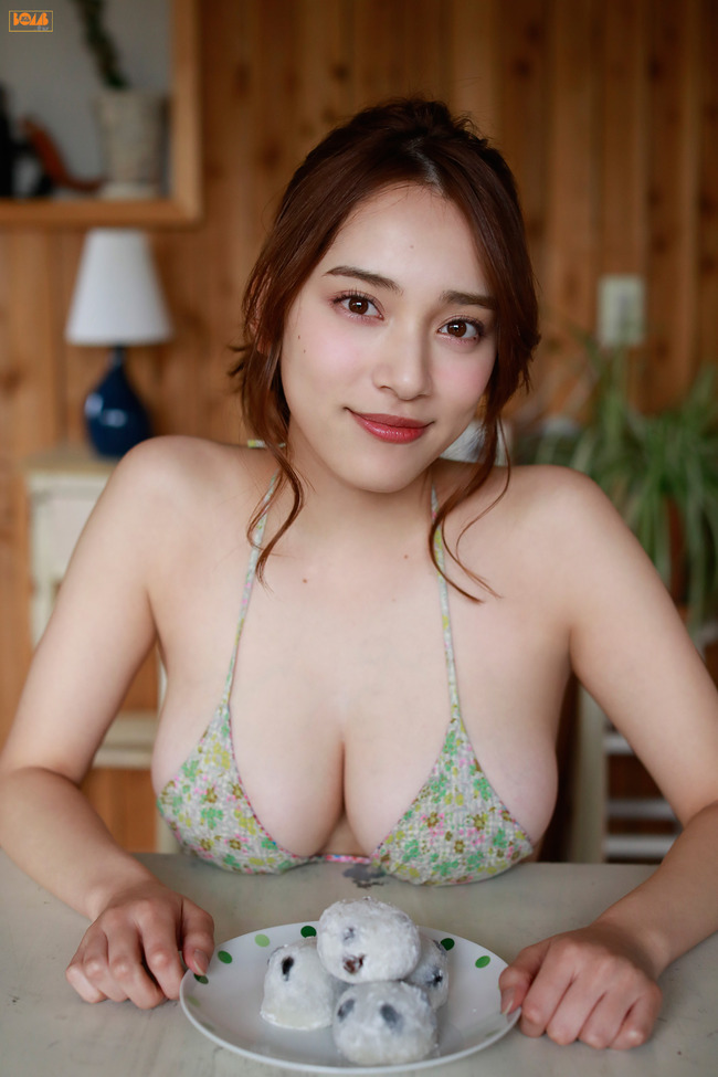 都丸紗也華 巨乳 グラビア画像 (38)
