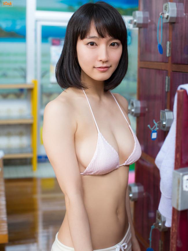 吉岡里帆 かわいい グラビア画像 (4)