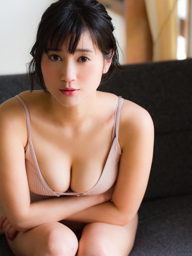 出口亜梨沙 Gカップ グラビア画像 (31)