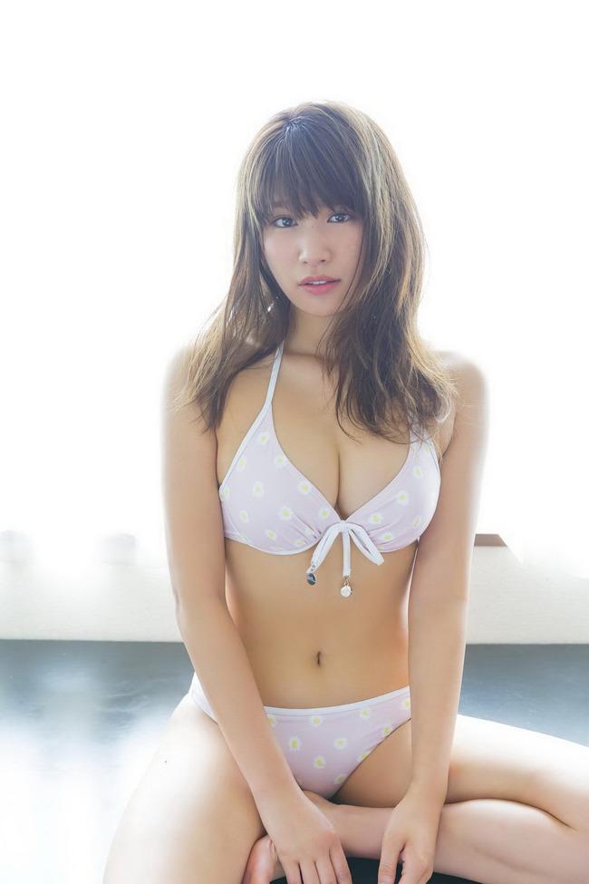 久松郁実 巨乳 グラビア画像 (37)