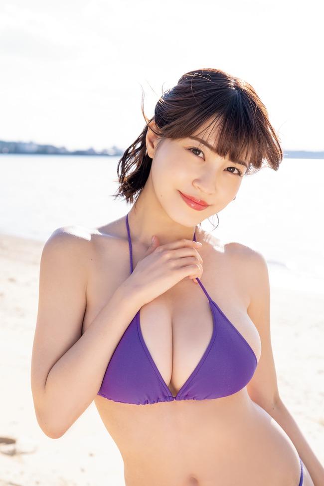 岸明日香 巨乳 エロい (25)