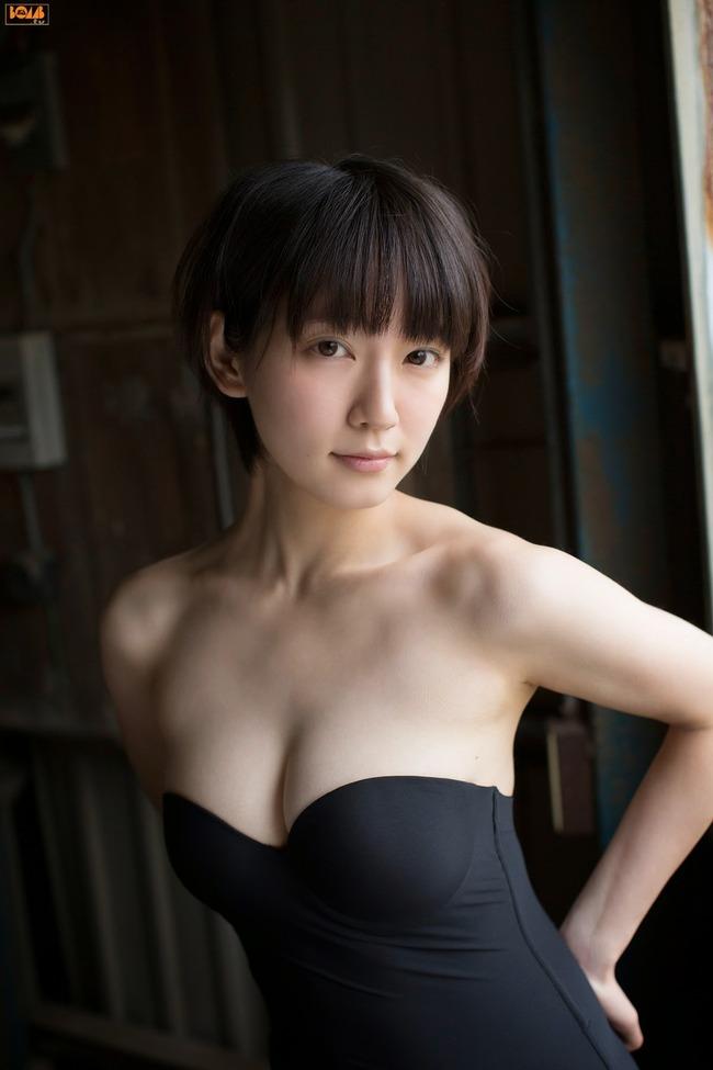 吉岡里帆 かわいい グラビア画像 (13)