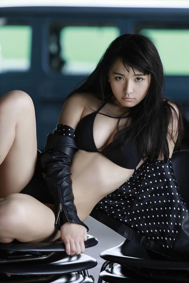 浅川梨奈 美乳 グラビア画像 (12)