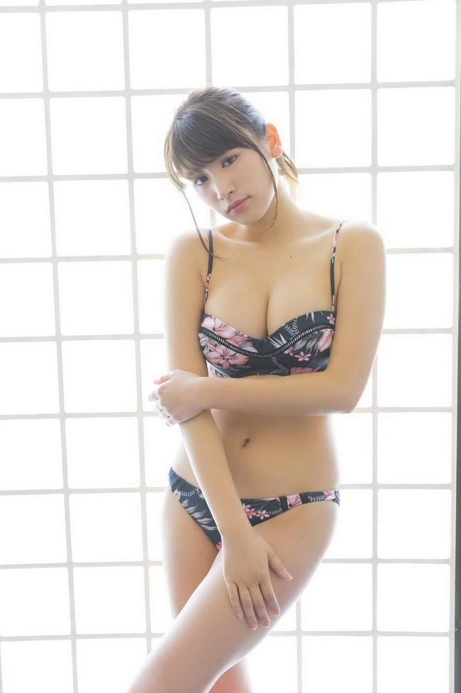 久松郁実 巨乳 グラビア画像 (35)
