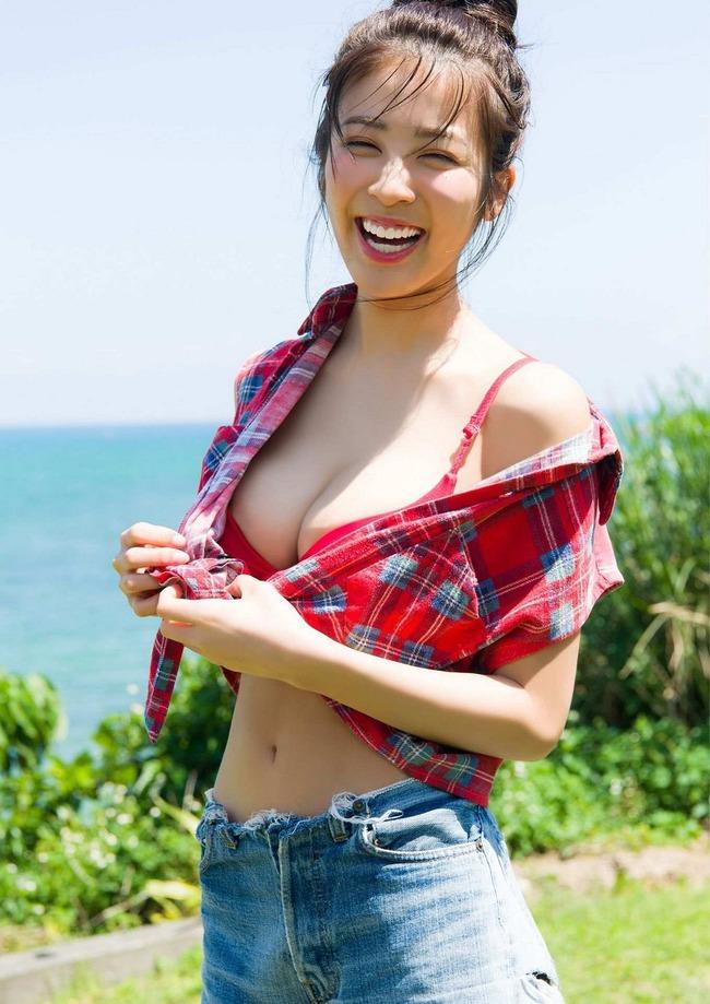 澤北るな 美人 巨乳 (9)